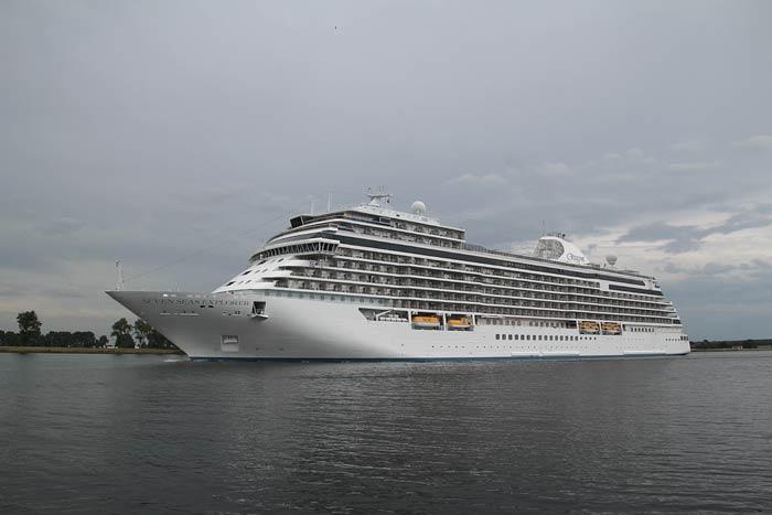 Seven Seas Explorer in Amsterdam