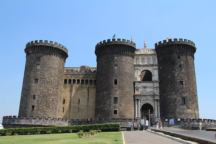 kasteel in napels italie