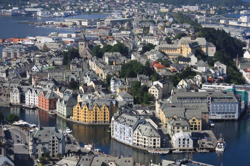 Per huurauto van Alesund naar Trollstigen tijdens Noorse Fjorden cruise