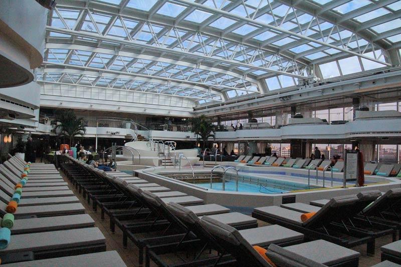 Holland America Line Nieuw Statendam Lido Pool binnenzwembad