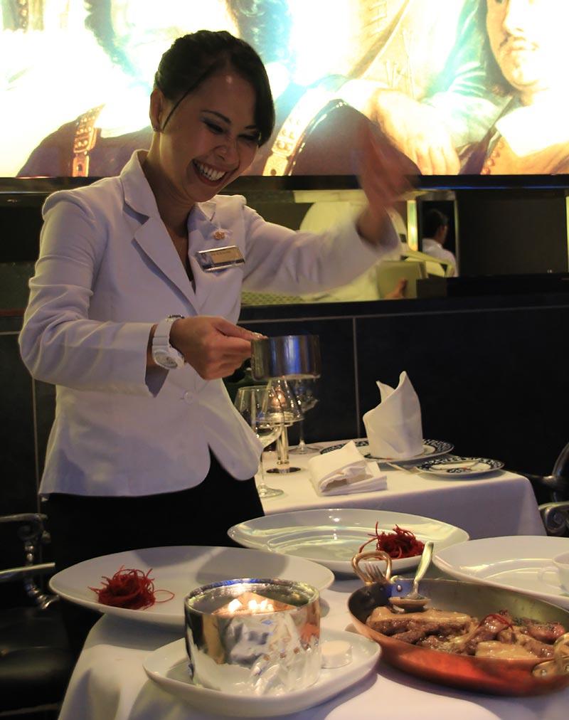 Pinnacle Grill specialiteitenrestaurant - Holland America Line