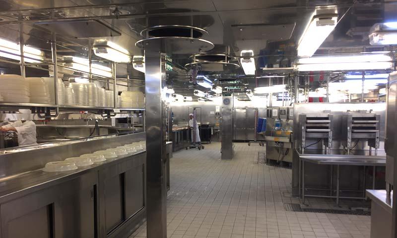 Keuken op de Queen Mary 2 van Cunard