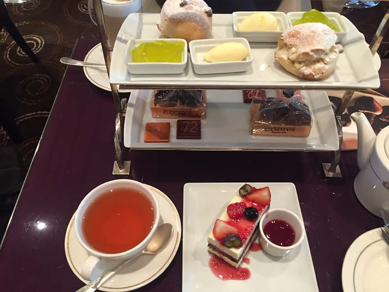 Godiva Afternoon Tea op de Queen Mary 2 van Cunard