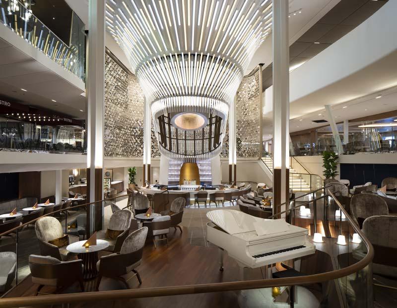 Interieurfotos van lounges en bars op cruiseschip Celebrity Edge van Celebrity Cruises