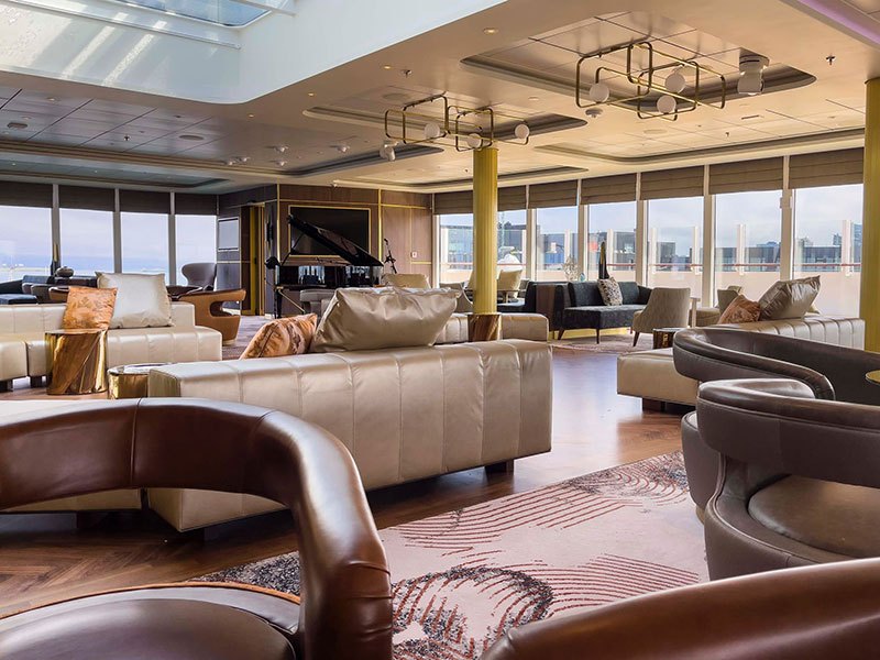 crystal endeavor crystal cruises luxe expeditieschip palm court lounge