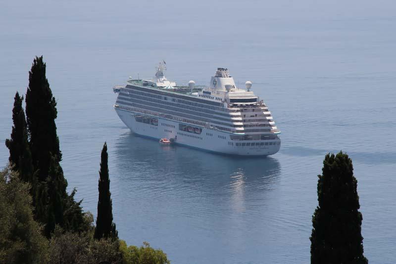 cruiseschip crystal serenity van   crystal cruises