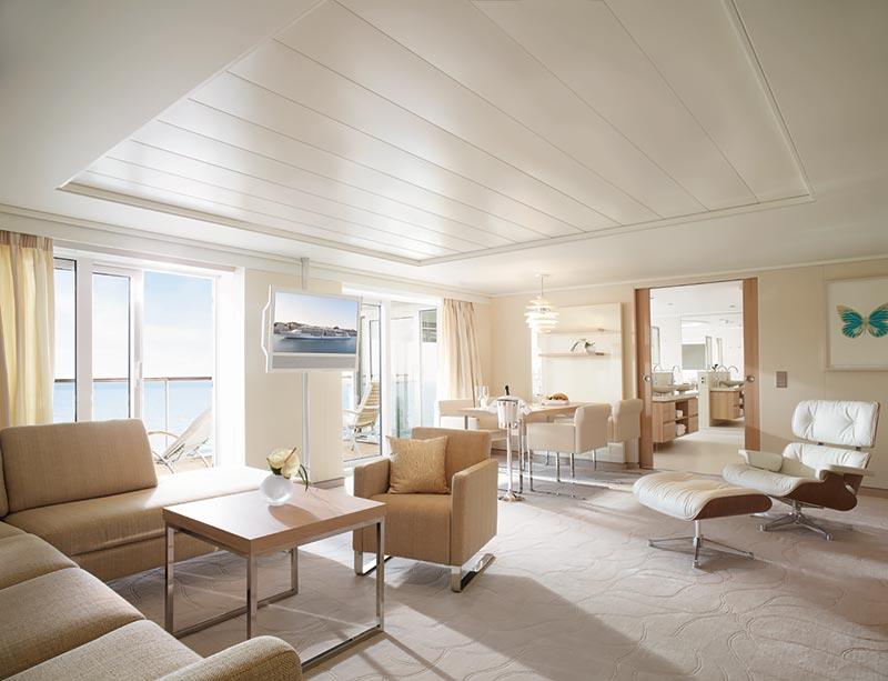 Europa 2 Owners Suite woonkamer - Hapag-Lloyd Cruises