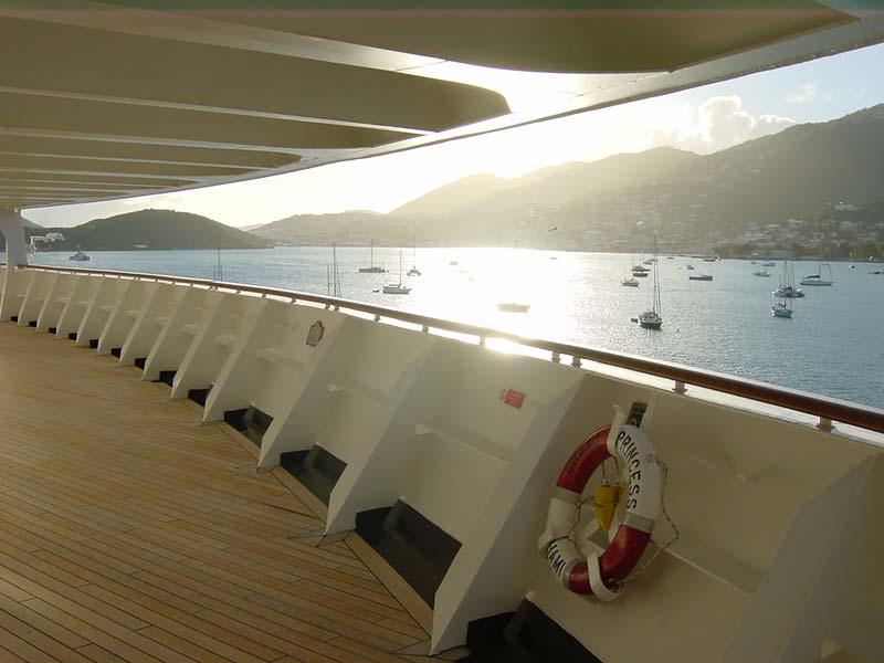 Vertrek van Grand Princess van Princess Cruises uit St. Thomas