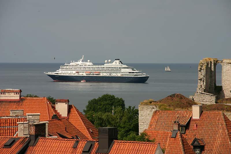 geschiedenis van holland america line's cruiseschip prinsendam