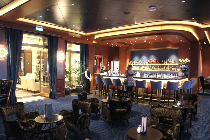 Explorer Lounge Bar op het cruiseschip Seven Seas Explorer van Regent Seven Seas Cruises