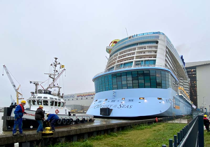 Royal Caribbean cruiseschip Odyssey of the Seas bij Meyer Werft in Papenburg