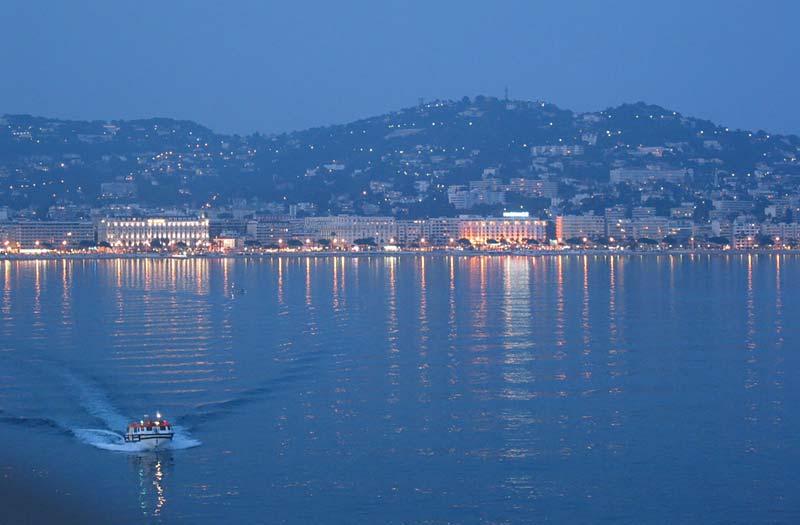 Vertrek uit Cannes met de Seven Seas Voyager van Regent Seven Seas Cruises