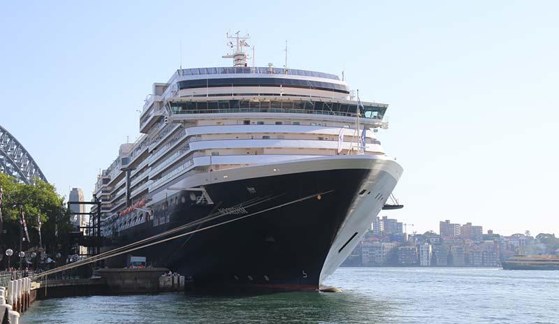 Cruise schip Noordam Holland America Line in Sydney, Australie