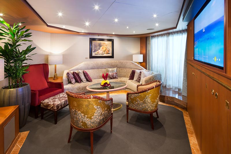Westerdam Pinnacle Suite woonkamer - Holland America Line