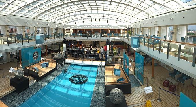 Europa 2 Hapag-Lloyd Cruises zwembad