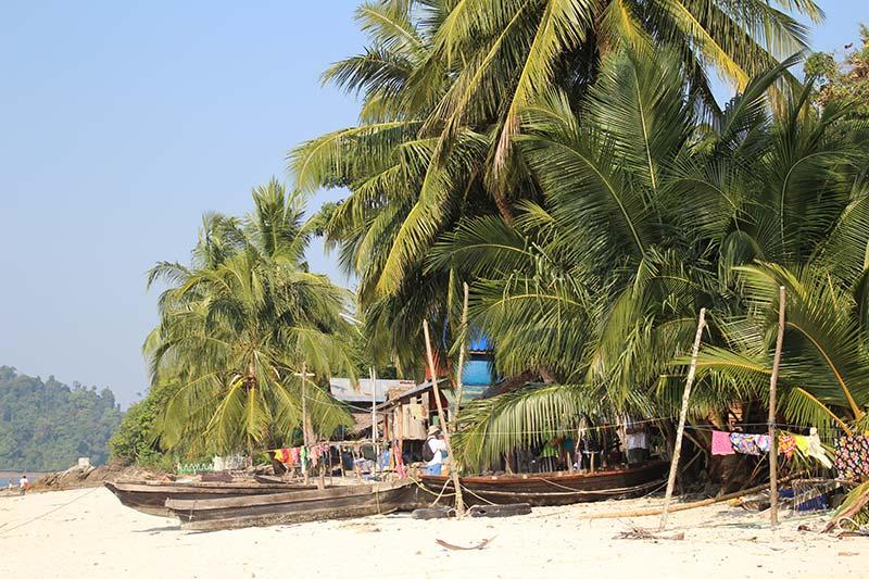 Silver Discoverer cruise schip - Bo Cho Island, Myanmar