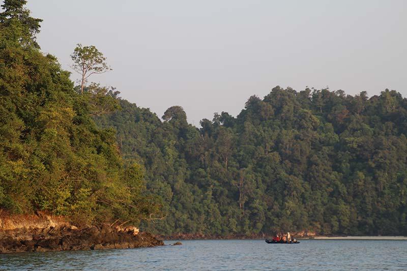 Silver Discoverer cruise schip - Zodiac cruise Lampi Island, Myanmar