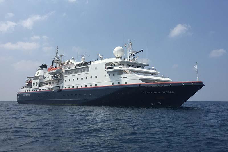 Silver Discoverer expeditie cruiseschip voor anker