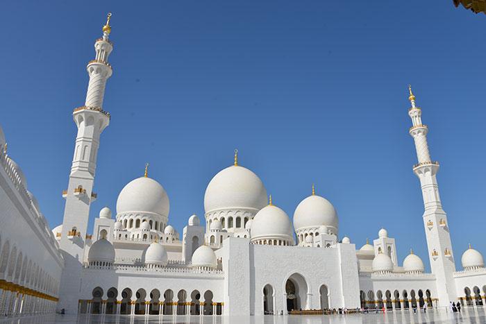 Een dag in Abu Dhabi: de Sjeik Zayed-moskee
