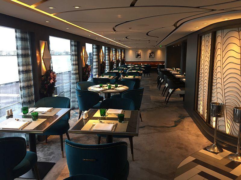 Crystal Bach: varend luxe boutique hotel op de Rijn