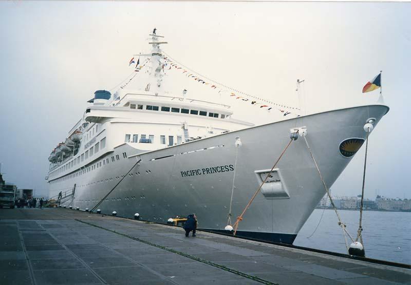 Foto's en verhalen uit de archieven van VCK Cruises