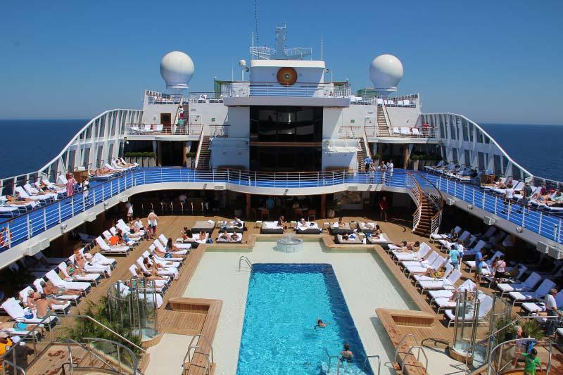 Cruiseschip in focus: Oceania Cruises Riviera in 12 foto's