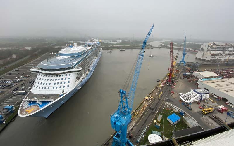 Royal Caribbean's Odyssey of the Seas verlaat het bouwdok